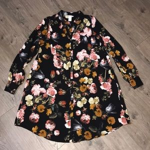 H&M Floral Button Up Dress with pockets